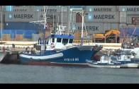 Bomberos de Algeciras achican un barco y evitan su hundimiento