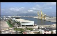 El buque de asalto anfibio 'Castilla' de la Armada Española hace  escala en el puerto de Algeciras