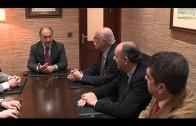 """El alcalde recibe a la Asociación de Exhermanos Mayores """"Palma y cirio""""."""
