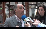 El alcalde atiende a trabajadores y usuarios del Centro de Día de Mayores del Saladillo