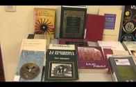 La UNED conmemora el Día del Libro regalando ejemplares de diversas temáticas