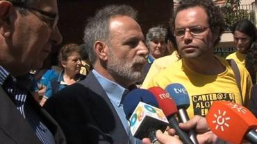 Los trabajadores de Correos se reúnen con representantes del PSOE en Algeciras