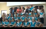 """Landaluce impone las becas a los alumnos de la Escuela Infantil """"Gloria Fuertes"""" del Saladillo"""
