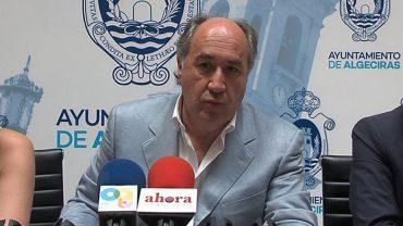 El alcalde considera 'desleal' que Reino Unido no informara de la colisión del submarino