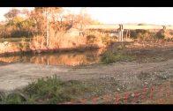 Algesa limpia el canal de pluviales de la Colonia San Miguel