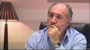 El artista algecireño José Carlos Gómez presenta su último trabajo discográfico al alcalde