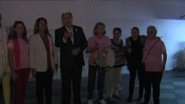 El Ayuntamiento de Algeciras ilumina de rosa la fachada de la iglesia de La Palma