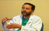El dermatólogo del Punta Europa Francisco Russo premiado con el 'Bisturí de platino'
