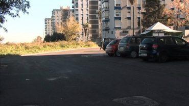 El alcalde visita el trabajo final de asfaltado de la calle Mónaco
