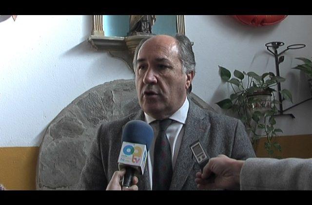 """La asociación de vecinos """"Fuente de la zorrilla"""" de La Juliana, recibe la visita del Alcalde"""