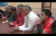 El alcalde mantiene un encuentro con el Comité de empresa de los estibadores del puerto