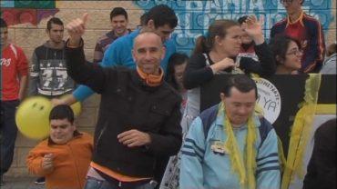 El equipo de Gobierno felicita a Manolo Solo, Apadis y Diverciencia por sus banderas de Andalucía