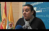 La delegada de Educación recuerda los problemas que aun la Junta no ha solucionado en muchos centros