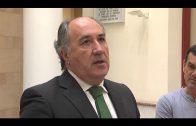 El alcalde recibe de nuevo a los representantes de los estibadores para reiterarles su apoyo