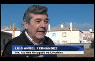 El Ayuntamiento limpia y desbroza la plaza Pangea en San Bernabé
