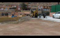 El Ayuntamiento acondiciona el carril de Los Delfines que da acceso a la playa de Getares