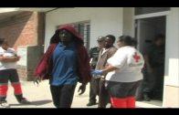 Salvamento Maritimo rescata a nueve inmigrantes en una embarcación interceptada en el Estrecho