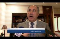 Landaluce muestra su compromiso para buscar una solución al asunto de la Urbanización Torrealmirante