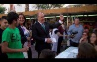 Mercadillo solidario intercentros en la Plaza Alta