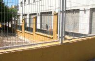 El Ayuntamiento realiza labores de mantenimiento en el muro del Colegio San Bernabé