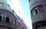 La Policía Local actúa de nuevo para desmantelar la venta ambulante de la calle Teniente Riera