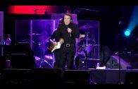 Lleno en el concierto que Raphael ofreció el viernes en la plaza de toros de Algeciras