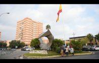 El Ayuntamiento renueva la bandera de España de la Plaza de la Constitución