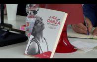 """Presentado en Alcultura el libro  """"La voz que danza en tu memoria"""" de JuanRa Hernández"""