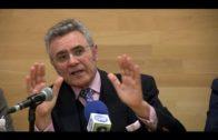Los graduados sociales de Andalucía presentan en el Centro Documenal la obra de Fernando Sicre