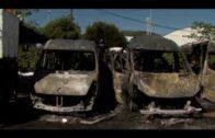 Seis ambulancias resultan calcinadas tras un incendio en Cortijo Real