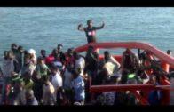 Ascienden a 300 los inmigrantes rescatados de 34 pateras en aguas del Estrecho