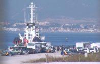 El buque 'Open Arms' llega al CATE de Crinavis, con 87 inmigrantes a bordo