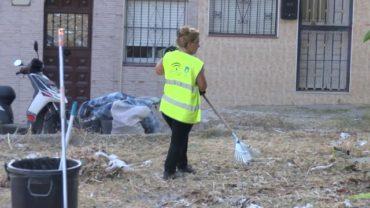 La delegación de limpieza continúa con limpiezas integrales, ahora en la barriada de la Piñera