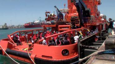 Rescatadas 36 personas más de la séptima patera localizada durante la jornada en el Estrecho