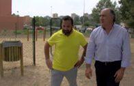 El alcalde supervisa la puesta en funcionamiento del nuevo parque canino instalado en La Ermita