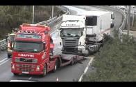 El accidente de un trailer en la A-7 produce retenciones en el tráfico durante horas