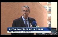 El Ayuntamiento de Algeciras coloca pasamanos en una escalera de la calle Jacinto Benavente