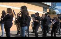 Alumnos de primaria del colegio Virgen de los Milagros celebran una procesión infantil