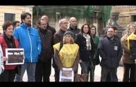 La APDHA protagonizan una concentración en la Plaza Alta