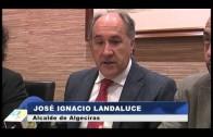 Landaluce firma el convenio de colaboración con el Consejo Local de Hermandades y Cofradías