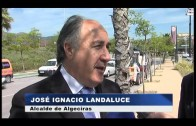 Los responsables municipales supervisan los trabajos de limpieza que se desarrollan en Sotorrebolo