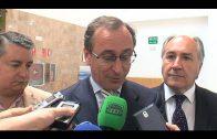 El ministro de Sanidad y representantes del PP se reúnen con colectivos de mayores en Algeciras