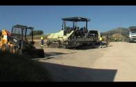 Hoy se ha asfaltado el vial de Los Pastores que da acceso a los centros educativos