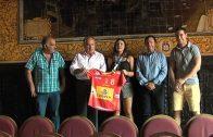 El alcalde recibe a la jugadora de balonmano Paula Valdivia