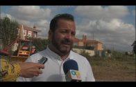 El ayuntamiento desbroza varias parcelas del Rinconcillo