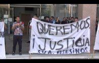 Un grupo de personas se concentra en los juzgados por la muerte de los 4 ocupantes de la lancha