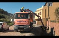 Algesa limpia el colector de recogida de aguas pluviales en abierto de la carretera de El Cobre