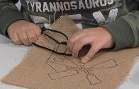 """Los más pequeños aprenden el arte del bordado a través de """"Sabadeo de Museo"""""""