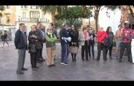 Una veintena de ciudadanos se concentran en recuerdo de los inmigrantes muertos en el Estrecho
