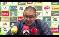 El técnico albirrojo felicita al rival y manda un mensaje a parte de la afición